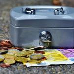 """Deutsche """"horten"""" durchschnittlich 1364 Euro Bargeld"""